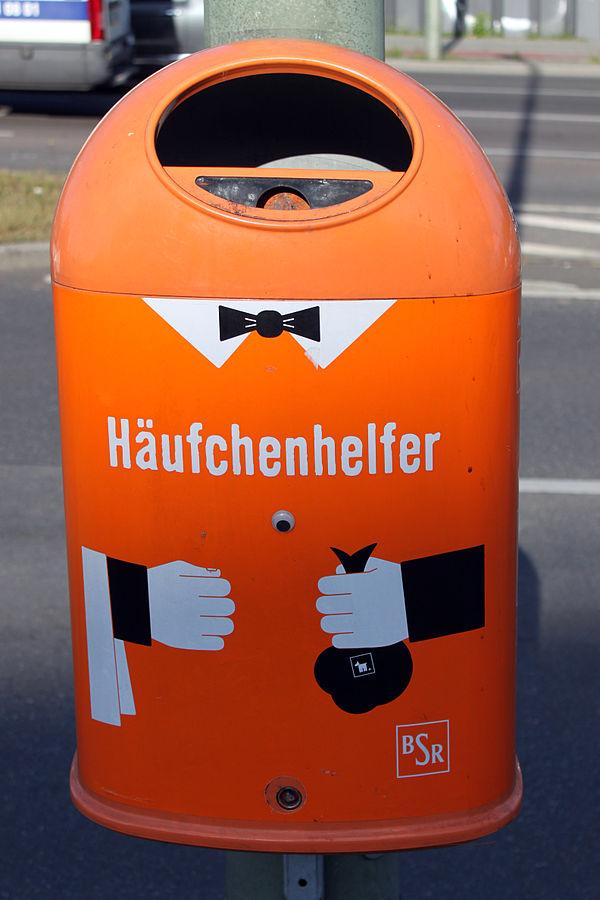 "BSR-Mülleimer ""Häufchenhelfer"", Berlin"